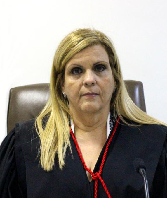 Nilza Maria Pôssas de Carvalho