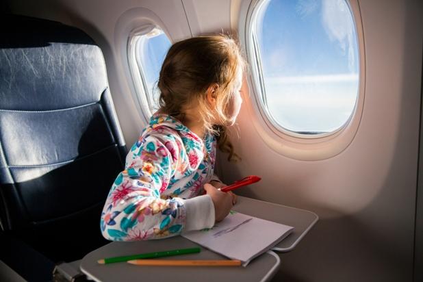 Resultado de imagem para Menores poderão viajar apenas com autorização dos pais ou responsáveis