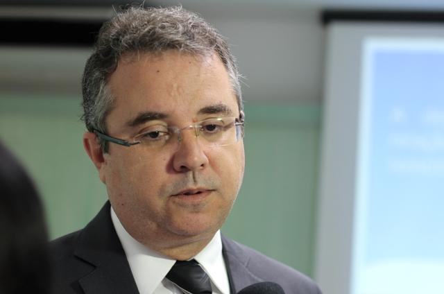 Resultado de imagem para juiz Luiz Carlos Rezende e Santos
